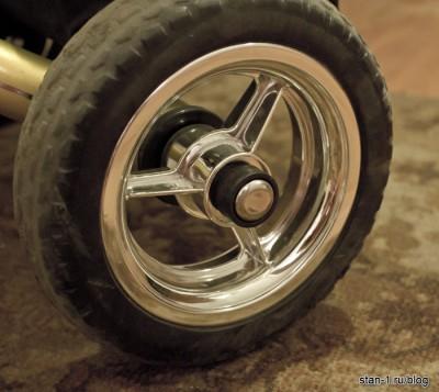 Заглушка на заднем колесе велосипеда Lexus Trike