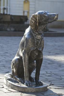 Памятник Белому Биму - Черному уху