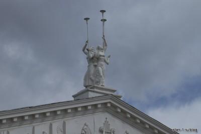 Трубодуры на главном театре Воронежа
