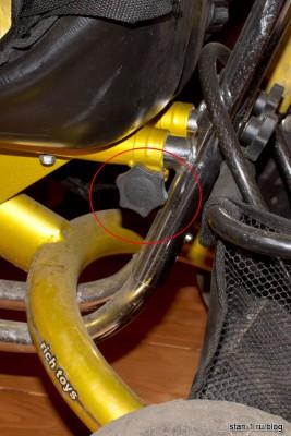 Из-за этого винта две части велосипеда шатаются относительно друг друга