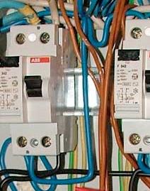 Прокладка проводов между автоматами