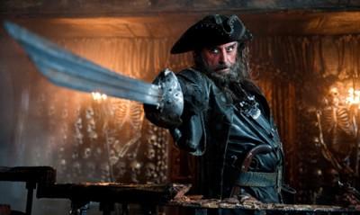 Черная борода, пожалуй первый в фильме герой, имеющий исторического персонажа