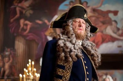 Пират Барбосса на каперской службе Его Величества Короля Англии