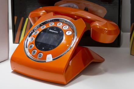 Стилизованный под старину DECT-телефон производства Sagem